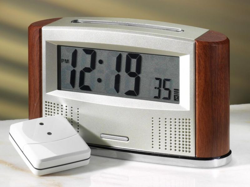 Retro Radio Controlled Talking Calendar Clock with In/Out Thermometer